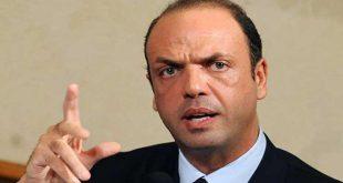 وزير الداخلية الايطالى